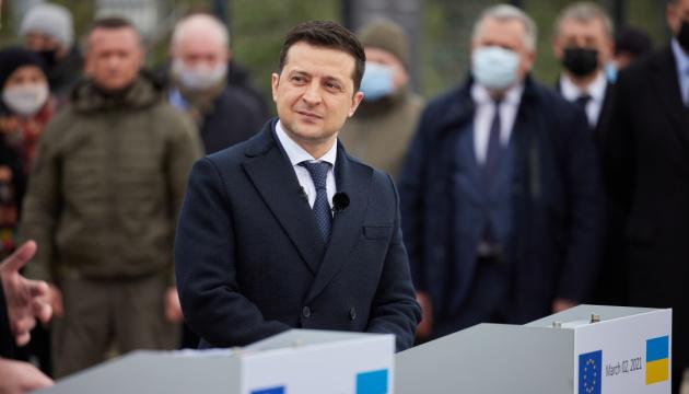 Зеленський назвав деструктивною позицію Росії, яка блокує КПВВ на Донбасі