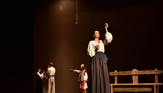 Франківський драмтеатр вирушає на гастролі із «Солодкою Дарусею»
