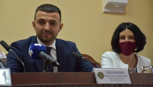 Уволенный за скандал в день назначения экс-прокурор Тернопольщины говорит, что работает