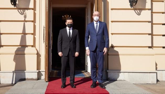 В отношениях с администрацией Байдена не чувствуется напряжения - Зеленский
