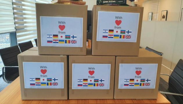 Дитяча лікарня у Вільнюсі отримала українські книжки