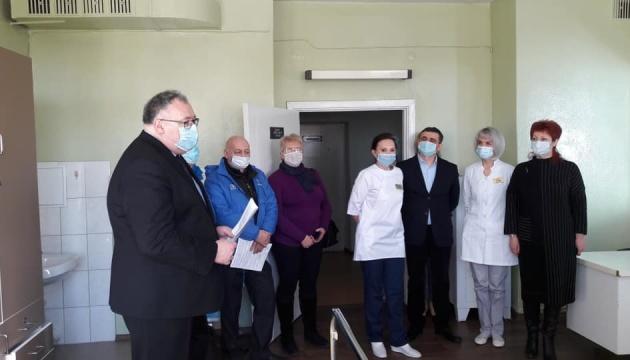 Венгрия передала Запорожской области пять аппаратов ИВЛ
