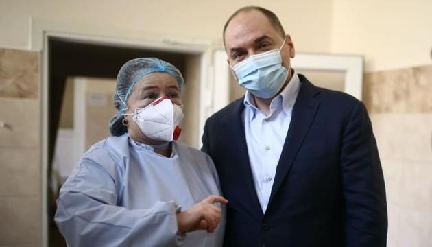Степанов назвав фейками та міфами відмову медиків від COVID-вакцинації