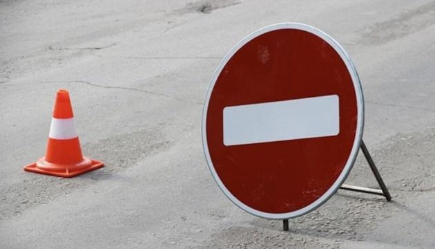На проспекте Лобановского до 9 августа ограничат движение транспорта
