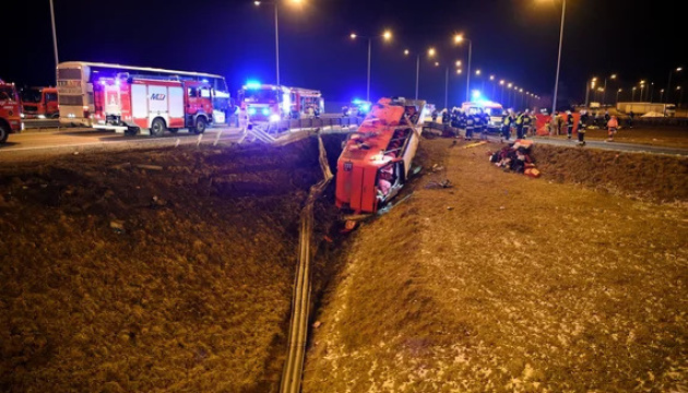 Аварія автобуса в Польщі: дев'ятеро українців у тяжкому стані