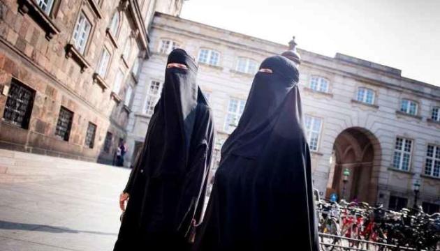 У Швейцарії проходить референдум про заборону приховувати обличчя