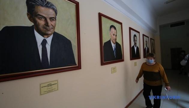 У Харкові відкрили галерею з 16 портретів лауреатів Шевченківської премії