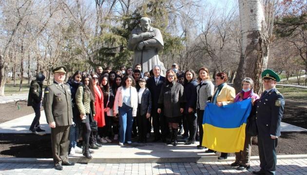 МЗС: У Єревані урочисто відзначили 207-ту річницю від дня народження Кобзаря