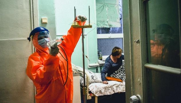Coronavirus : 374 morts et 6 038 nouveaux cas en 24 heures