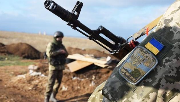 Ukrainian servicemen hold exercises on administrative border with Crimea