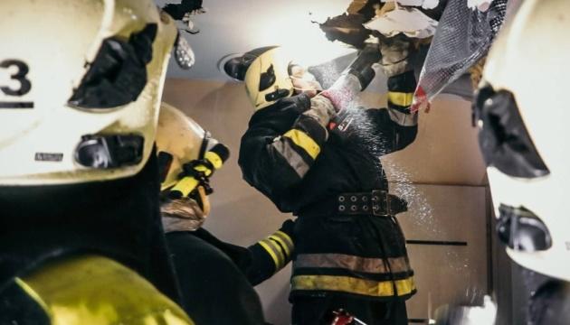 Пожежу у столичному будинку для літніх загасили