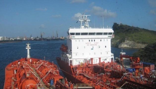 Пірати напали на танкер з українцями на борту біля Беніну – ЗМІ