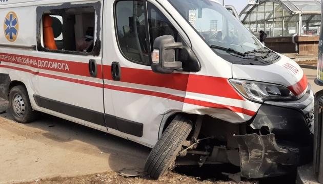 У Харкові «швидка» зіткнулася з Toyota, постраждали двоє медиків