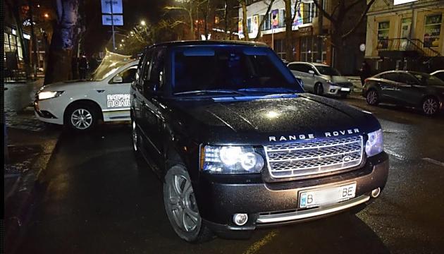 У Миколаєві працівник ОДА тікав від поліції і пропонував хабар