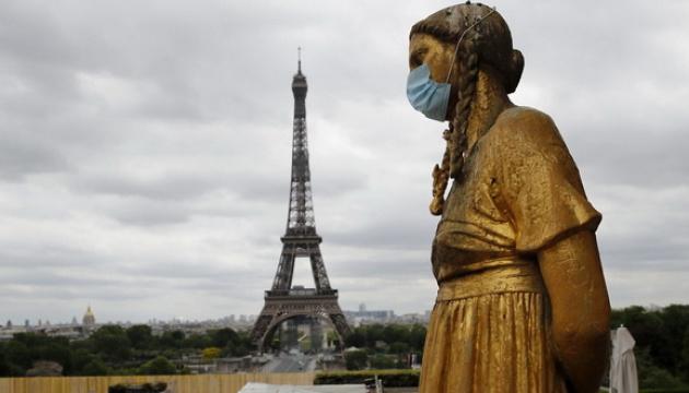 У Франції COVID-19 забрав понад 90 тисяч життів