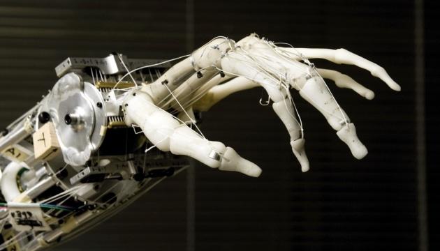 Руки роботів наділили чутливими «подушечками пальців»