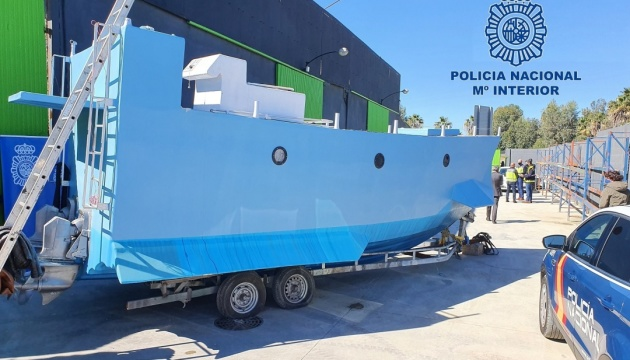 В Іспанії на борту саморобної субмарини знайшли 22 тонни наркотиків