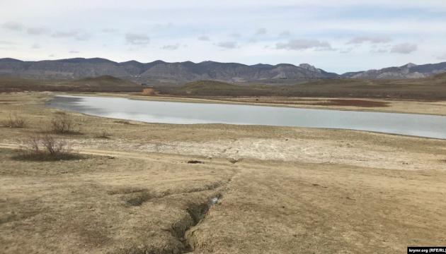 Обміліле озеро Бугаз в окупованому Криму - на межі зникнення