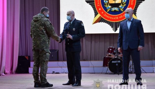 У Авакова нагородили 77 добробатівців, які служать у складі ООС