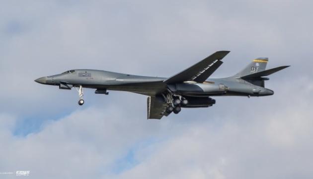 Стратегічний бомбардувальник США Lancer вперше в історії приземлився у Польщі