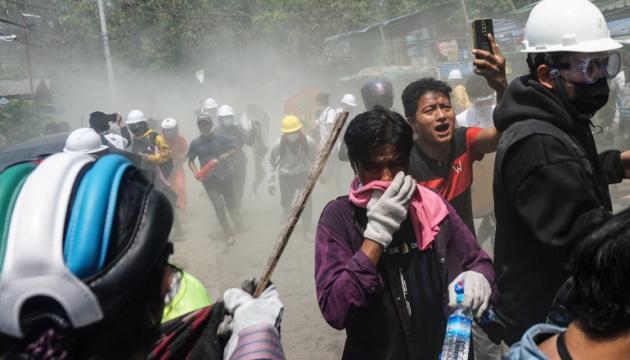 У М'янмі в неділю силовики вбили щонайменше 14 протестувальників