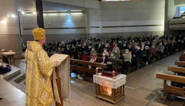 Душпастир УГКЦ відслужив літургію для українців Мадрида та зустрівся з СУМівцями