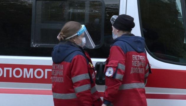 На Харківщині напали на бригаду «швидкої», двох медиків госпіталізували