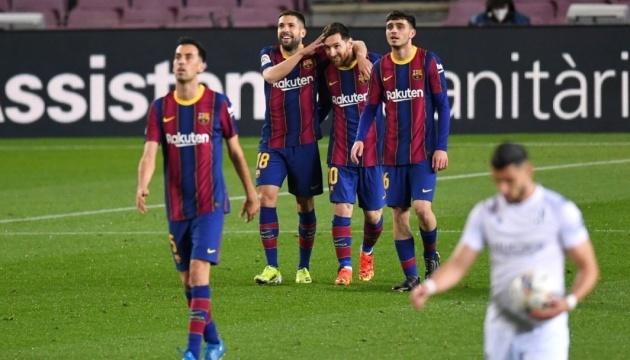 Ла Лига: «Барселона» на классе побеждает «Уэску»