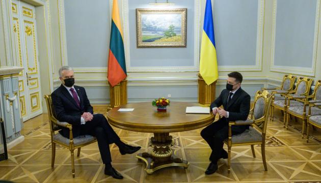 Zelensky: Ucrania y Lituania restablecerán la dinámica positiva de comercio