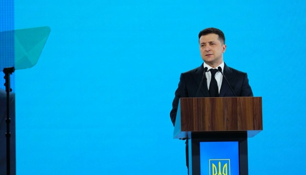 Зеленський обговорив із Байденом візит в Україну і участь США у Кримській платформі