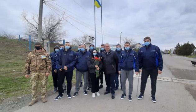 Украинские моряки с затонувшего у Румынии судна вернулись домой