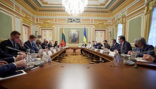Examinadas las reformas y la situación en el Donbás en la reunión del Consejo de Presidentes de Ucrania y Lituania
