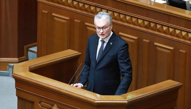 Росія має бути під санкціями, доки Крим і Донбас окуповані - президент Литви