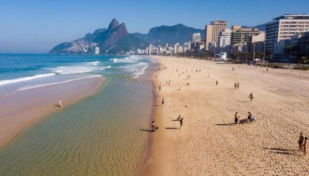 В Рио-де-Жанейро закрывают пляжи на фоне обострения пандемии COVID-19