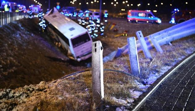 Український консул вирушив на місце аварії мікроавтобуса у Польщі