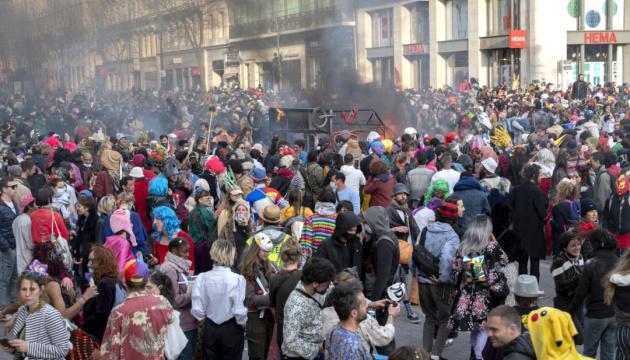 У Марселі поліція розігнала несанкціонований карнавал