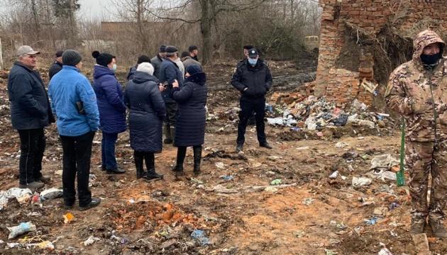 На Житомирщині виявили звалище львівського сміття