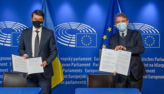 Разумков розповів про результати візиту до Брюсселя