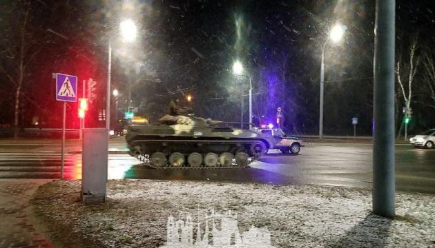 Біля кордону Білорусі з Польщею та Литвою помітили велику колону бронетехніки