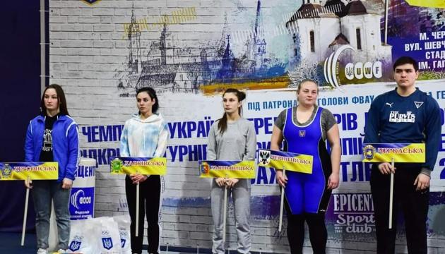 Стартував чемпіонат України з важкої атлетики серед юніорів