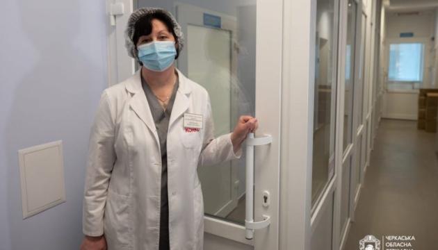В Умані відкрили ПЛР-лабораторію та приймальне відділення лікарні