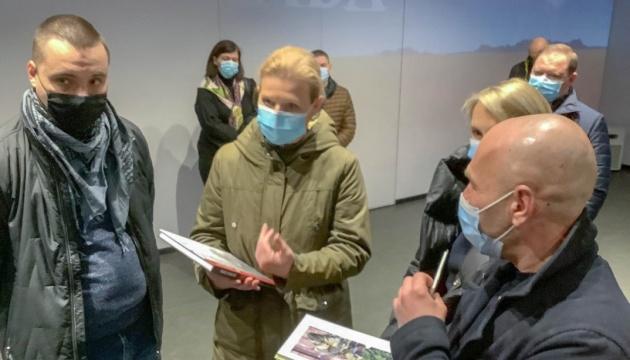 Лапутіна відвідала музей «Громадянський подвиг Дніпропетровщини в подіях АТО»