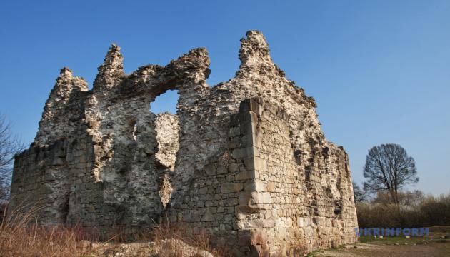 В 4 замках Закарпатья проведут противоаварийные и консервационные работы