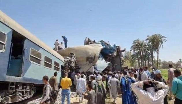 МЗС перевіряє, чи є українці серед жертв зіткнення потягів у Єгипті