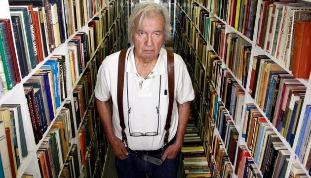 Помер американський письменник Ларрі МакМертрі