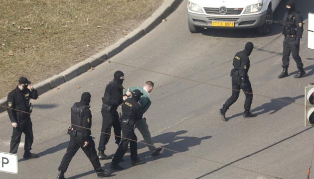 Протести в Білорусі: майже 190 затриманих