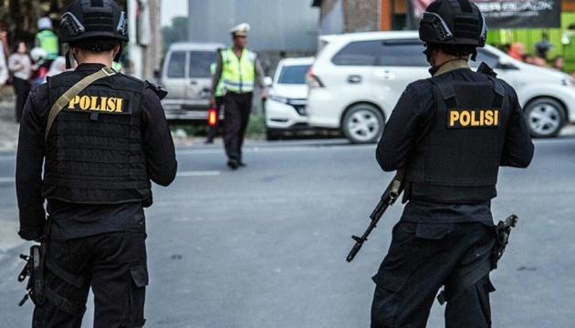 В Индонезии произошел взрыв возле храма, по меньшей мере 14 раненых