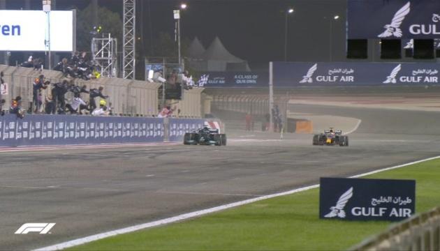 Формула-1: Гемілтон виграв Гран-прі Бахрейну