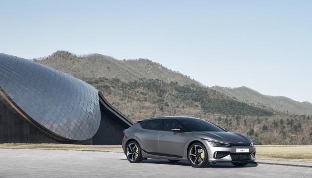 Kia випустила електрокар із запасом ходу 500 кілометрів