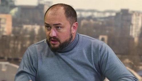 Соратник Медведчука, який привітав українців з фото Путіна, заявив про обшук СБУ